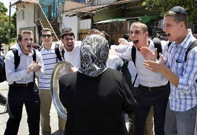 Crazed settlers at Sheik Jarrah